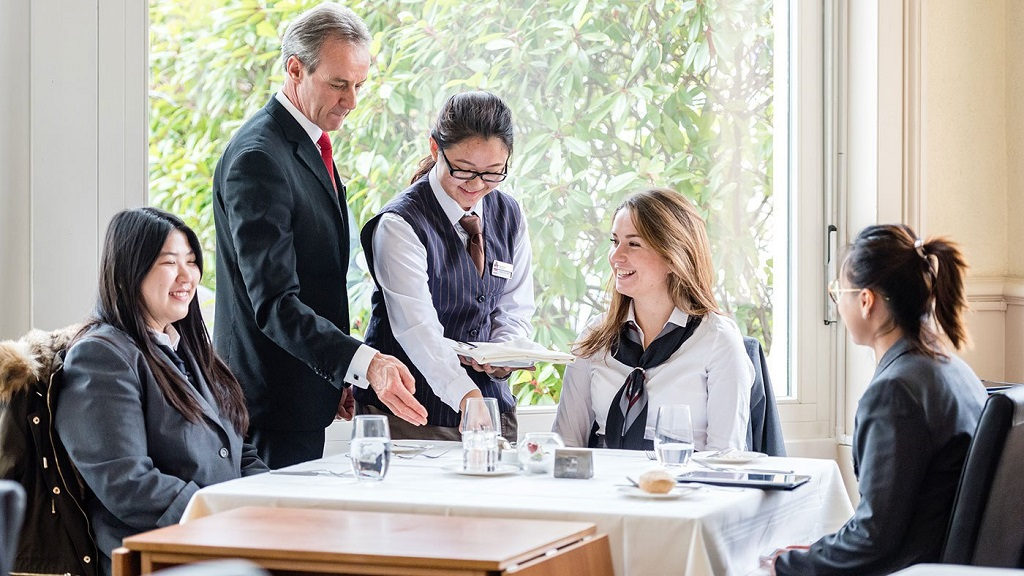 What-Can-You-Do-with-a-Degree-in-Hospitality-Management